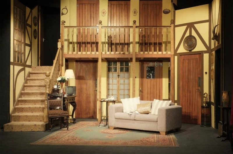 Noises Off set